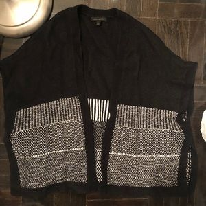 Banana Republic XS/S black and white cape sweater